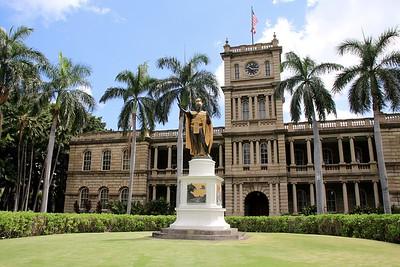 King Kamehameha @ Iolani Palace. Downtown Honolulu, O'ahu, Hawaii, USA.
