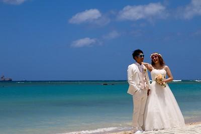 Just married @ Ala Moana Beach. Honolulu, O'ahu, Hawaii, USA.