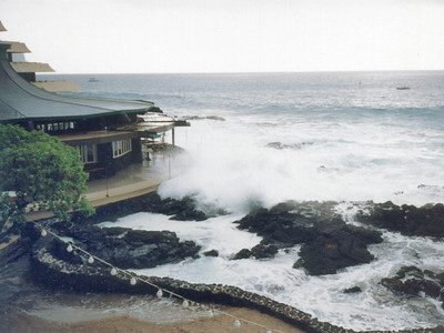 High surf at the Royal Kona Resort