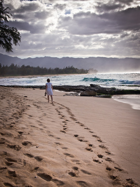 Mallory strolling on the north shore of Oahu.