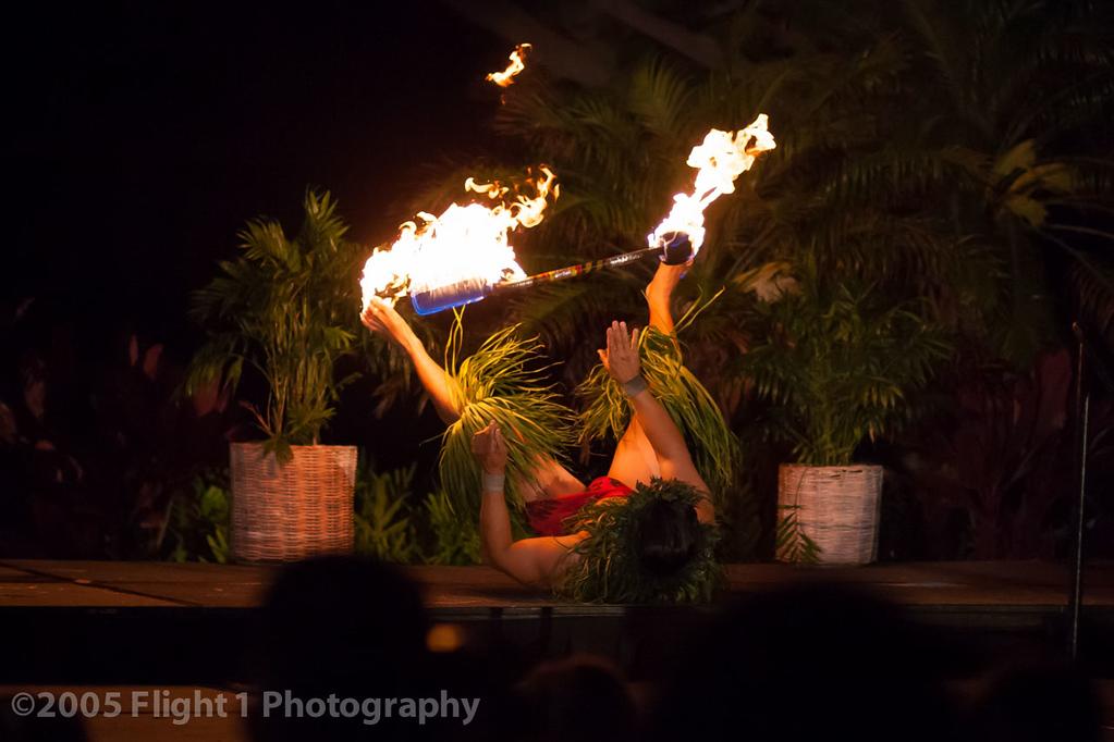 Luau Polynesian fire dancer