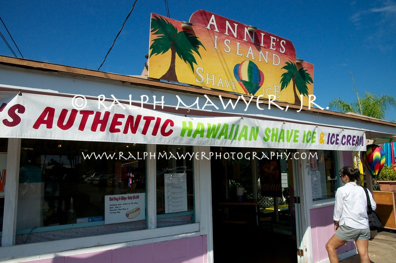 Annie's Shaved Ice_Lahaina 2011  063