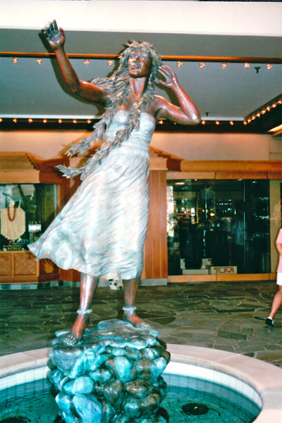 Sculpture in Tapa Towers Area - Hilton Hawaiian Village - Honolulu, O'ahu, Hawaii - April 23-29, 2003