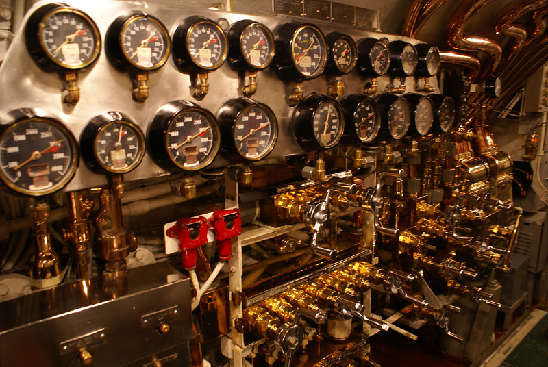 USS Bowfin control room