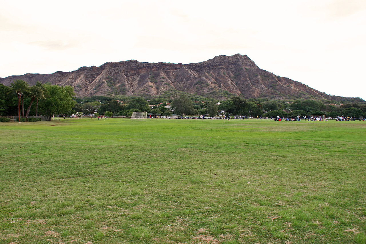 Diamond Head from Kapiolani Park