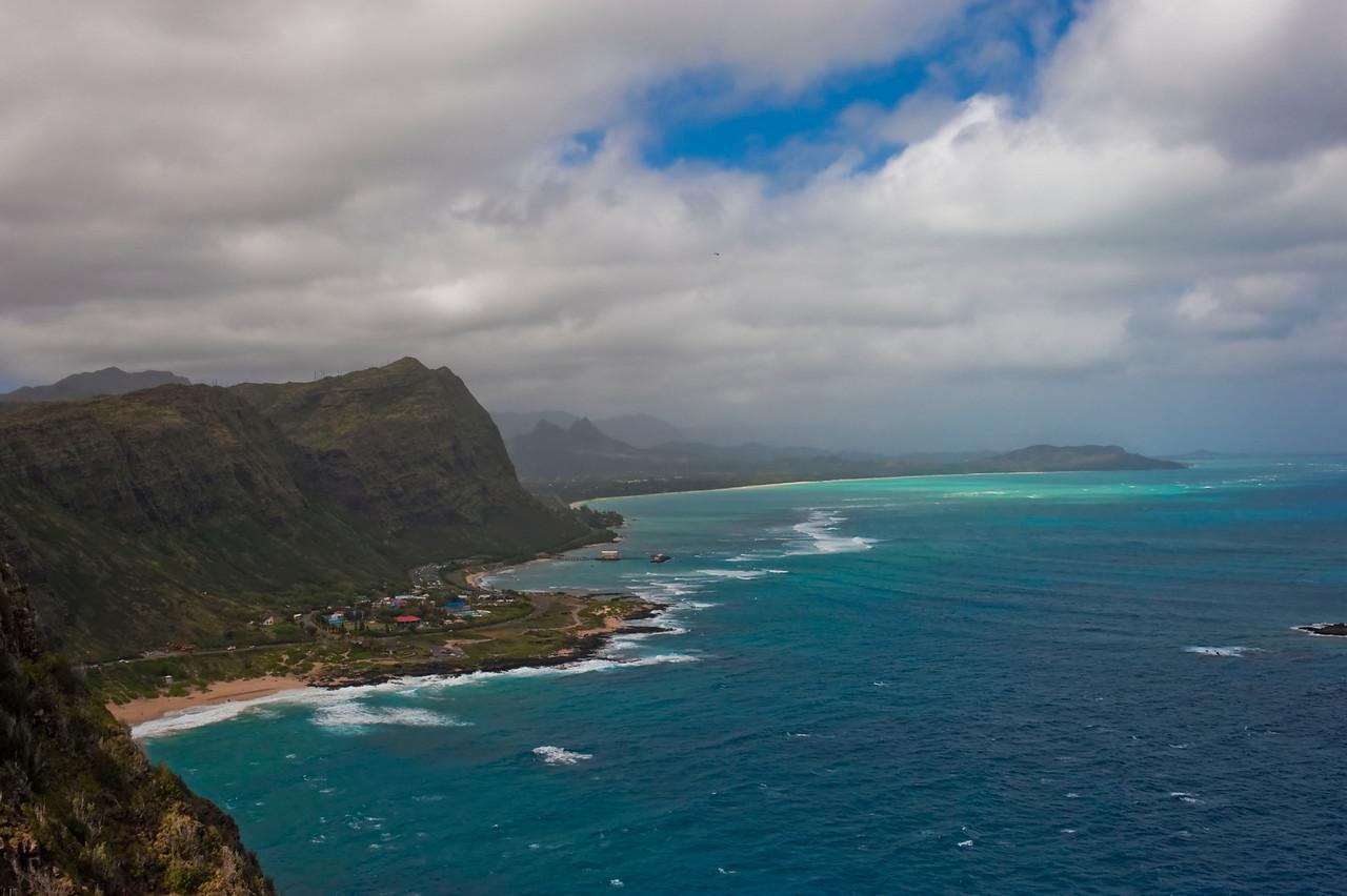 Makapuʻu Beach and Waimānalo Bay beyond seen from the highway overlook at Makapuʻu Point