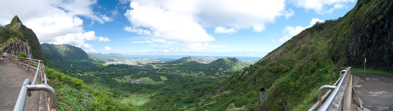 "<span id=""title"">Lookout Panorama</span> <em>Kaneohe, Oahu</em> A ~180 degree view from Pali Lookout, where the last major battle took place before the Hawaiian islands were united under King Kamehameha."