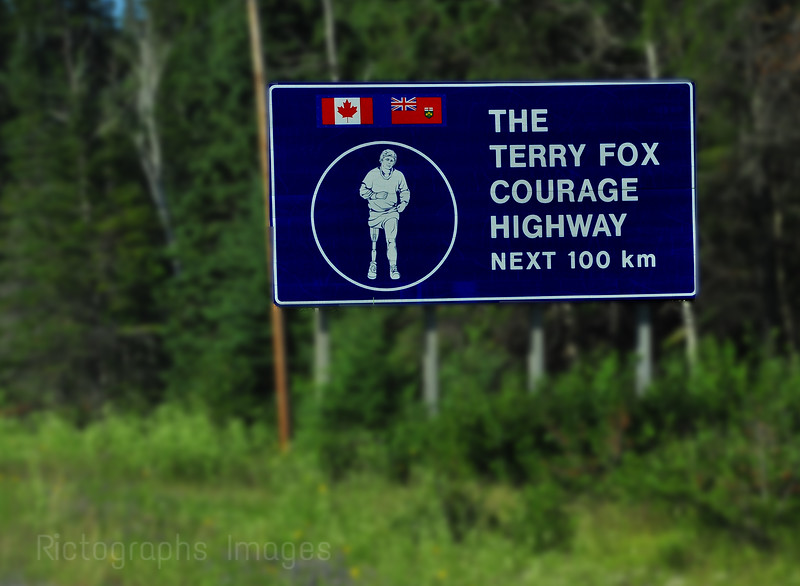 Terry Fox Courage Highway, Sign