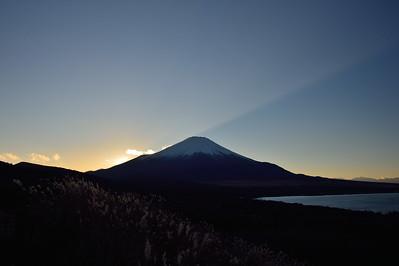 Hike around Lake Yamanaka