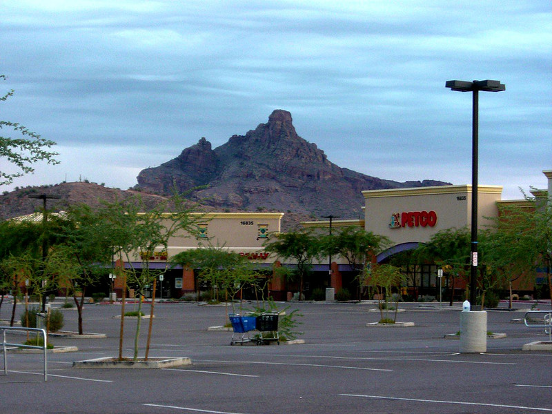 The trip started by meeting Nancy and her new dog at this shopping center in Fountain Hills to carpool.  I only included it because of the view of Red Mountain in the background.