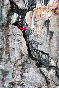 Higher up there was another demanding stretch of the route, and a few mountaineers were already there.