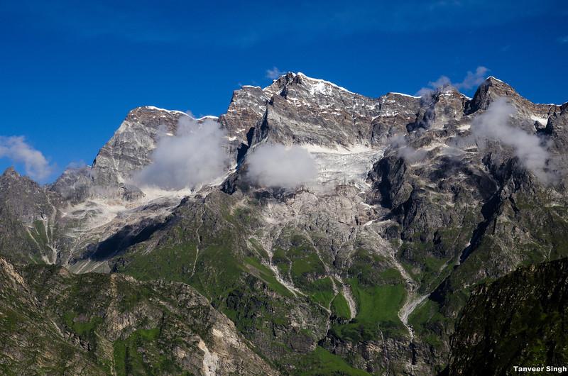 "Taken at Latitude/Longitude:30.699965/79.611797. 2.17 km North-East Lokpāl Uttarakhand India <a href=""http://www.geonames.org/maps/google_30.699965_79.611797.html""> (Map link)</a>"