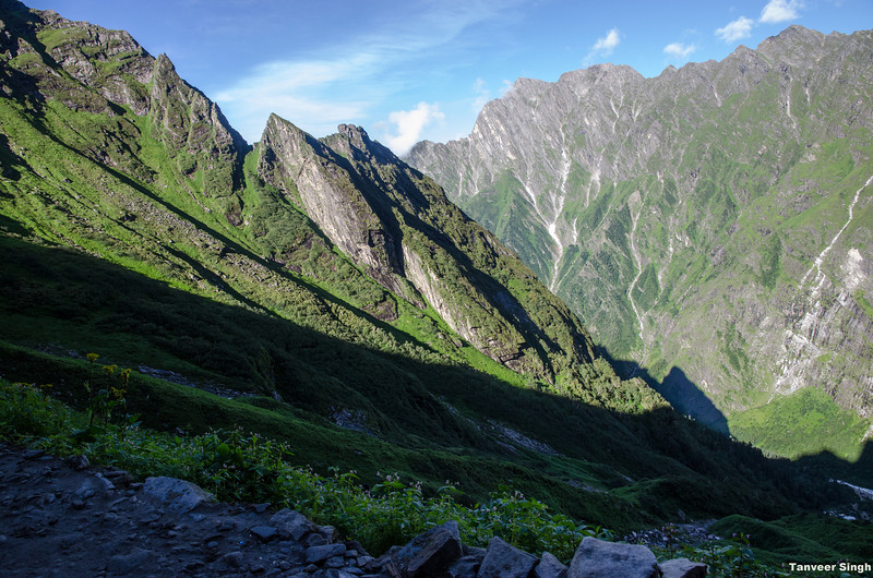 "Taken at Latitude/Longitude:30.703334/79.609283. 2.39 km North-East Lokpāl Uttarakhand India <a href=""http://www.geonames.org/maps/google_30.703334_79.609283.html""> (Map link)</a>"