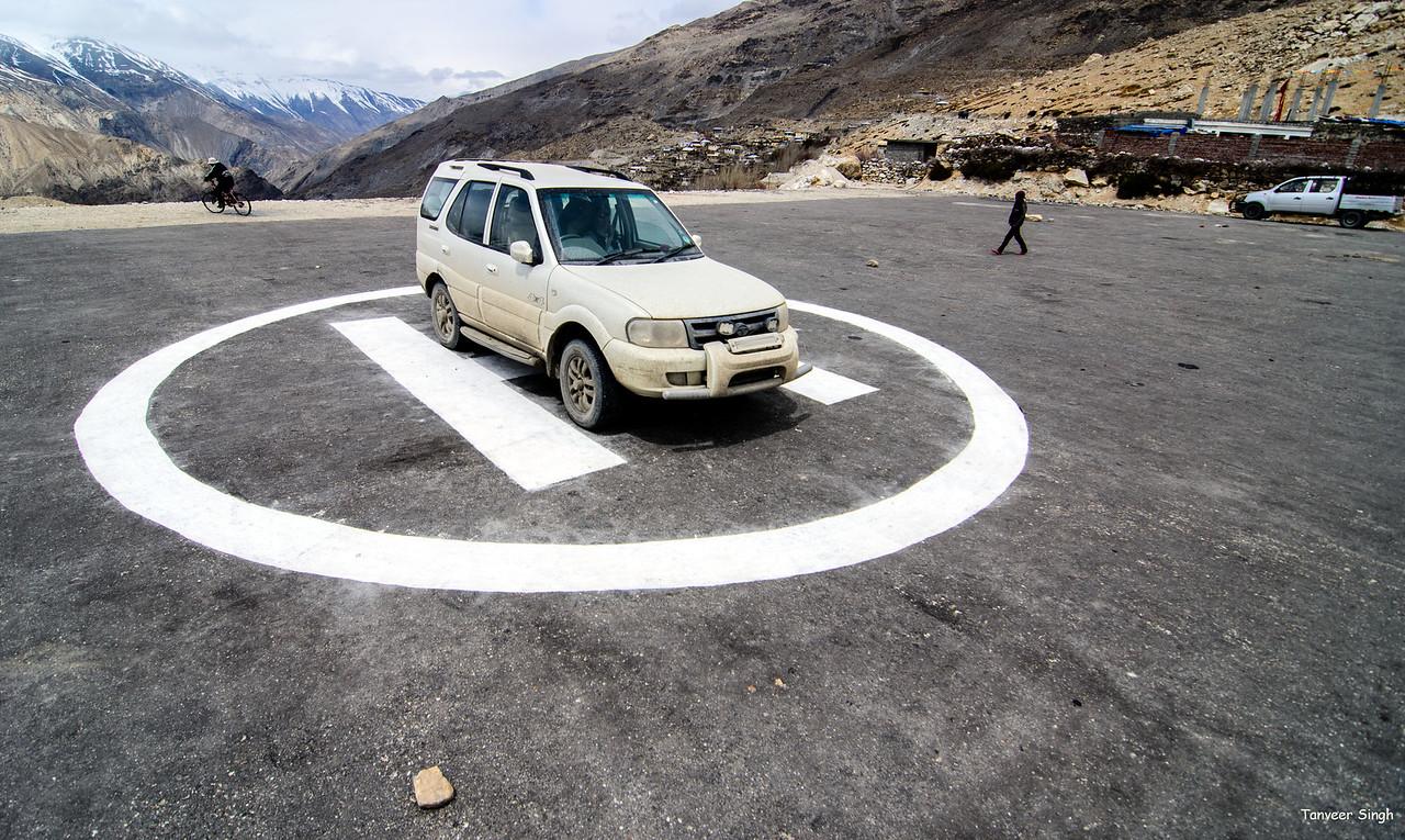Taken at Latitude/Longitude:31.886141/78.627951. 0.96 km East Nako Himachal Pradesh India  (Map link)