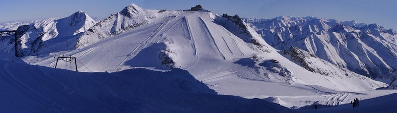 Panoramic view from below the summit of Olperer eastward to Gefrorene Wand and the top of the Hintertux Ski Area.