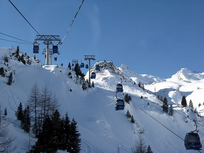 Cable car from base to Sonnenbergalm station.