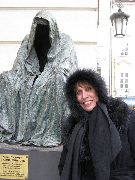 Lisa in front of Estates Theatre in Prague