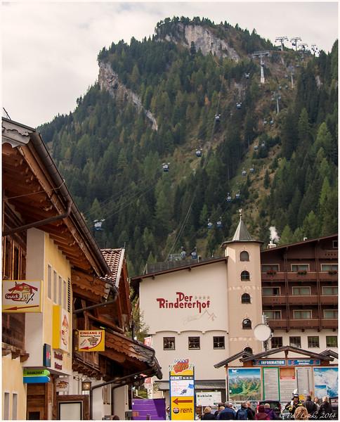 Base at Hintuxer Glacier Ski Area