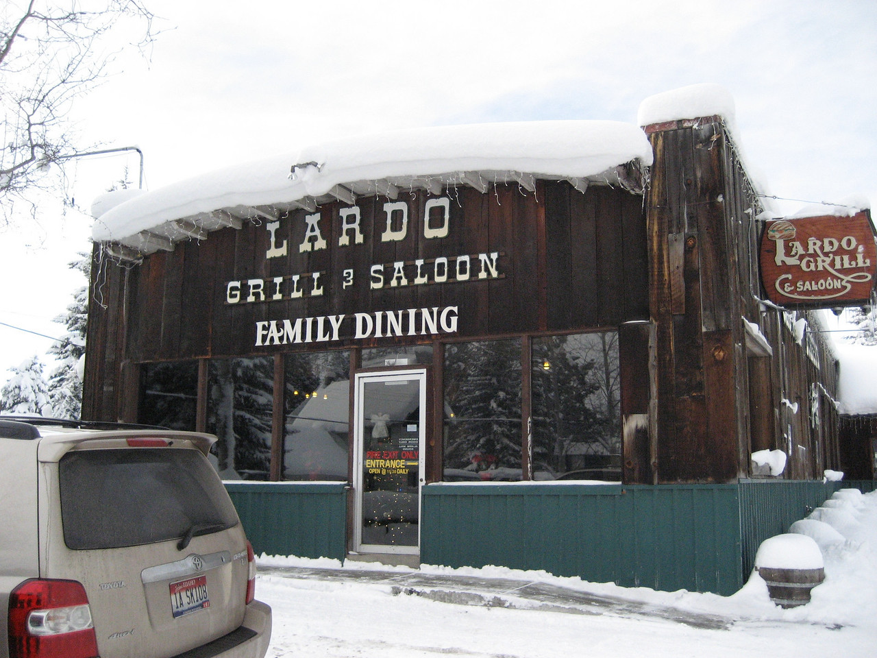 Lardo Grill & Saloon excellent hamburgers