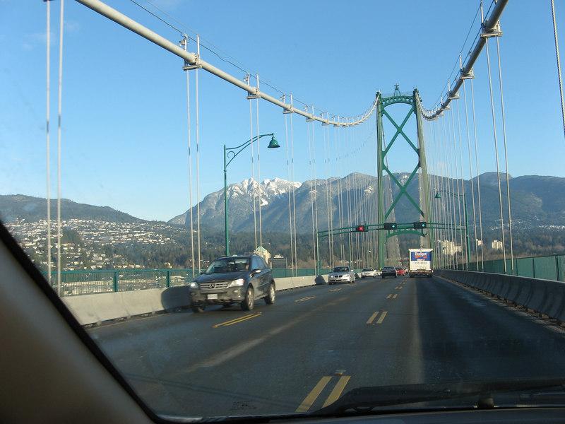 Lions Gate Bridge, driving north