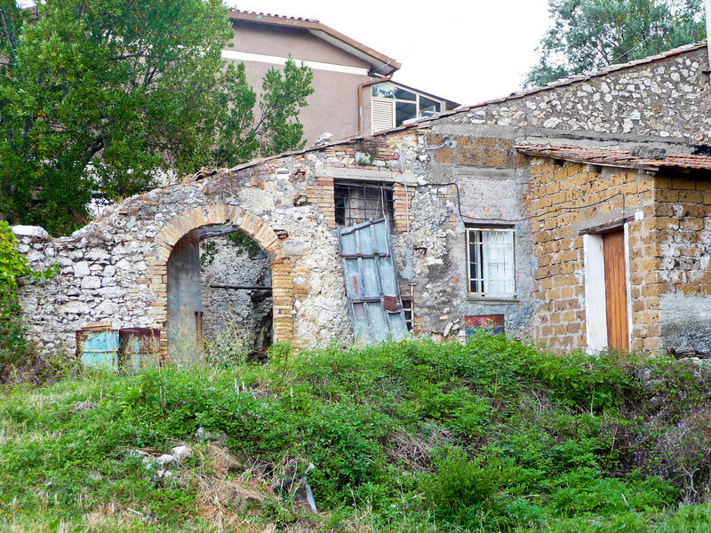 More scenes of Calvi dell'Umbria to follow ... all were taken on my own walking tour early in the morning.