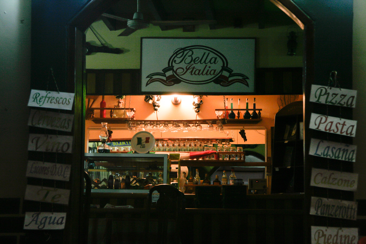 We ate some good spicy Italian pizza (the only food with some spice during my entire time in Honduras) at this little place on the boardwalk down from the hotel.