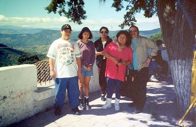 2004-Joe A - family017