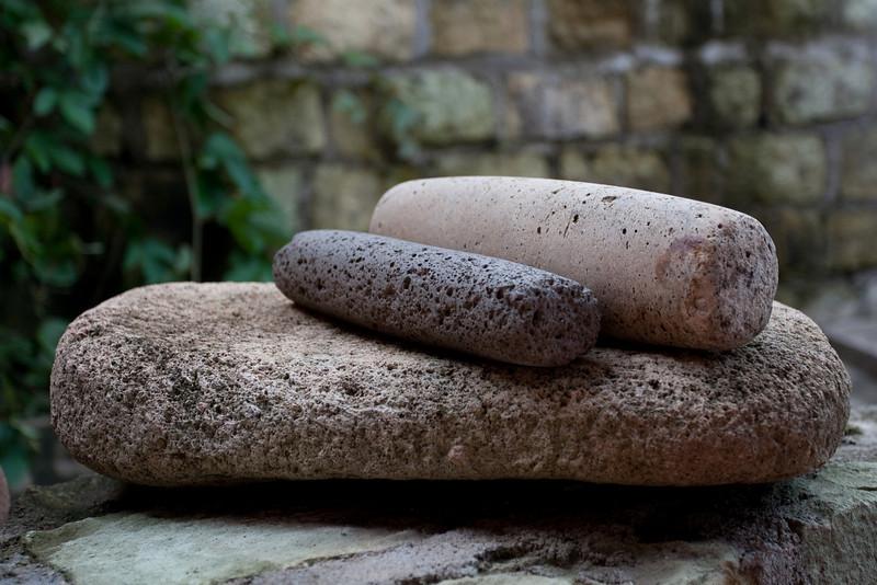 ancient mayan grinding stones