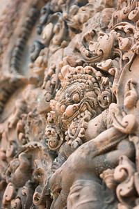 The intricacies of the carvings is very pretty...