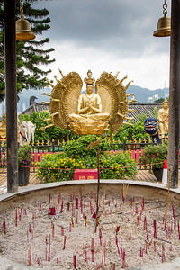 Ten Thousand Buddahs Monastery