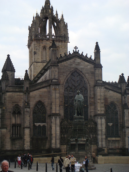 The Scott's Monument off Royal Mile (Castle end)