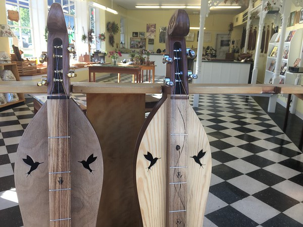 I don't know how to play a dulcimer, but I like how they sound