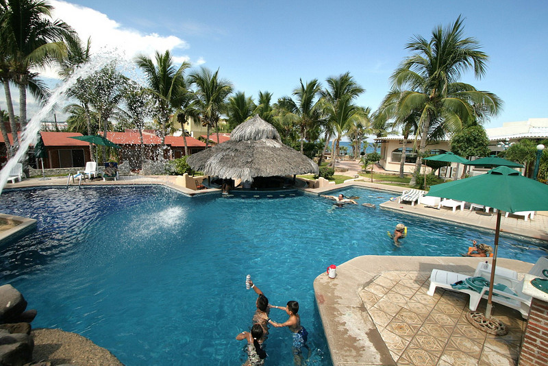 The heart of the resort is the pool. We left New York by 7am and were relaxing at the swim-up bar by 3pm local time.