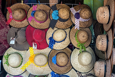 More straw hats - for a sunny and hot Mexico