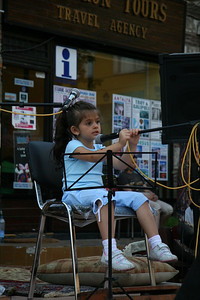 Very young performer, Istanbul