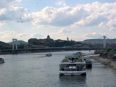 Budapest - maj 2003 The bridge, Erzébeh hid