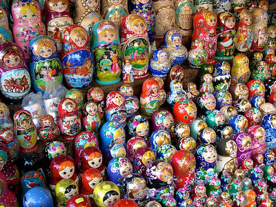 Budapest - maj 2003 Russian dulls in a shop in Budapest