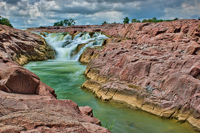 Middle Kuntala Falls