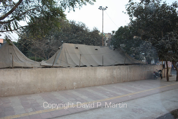 Tents erected in the city of Delhi for the homeless to sleep.
