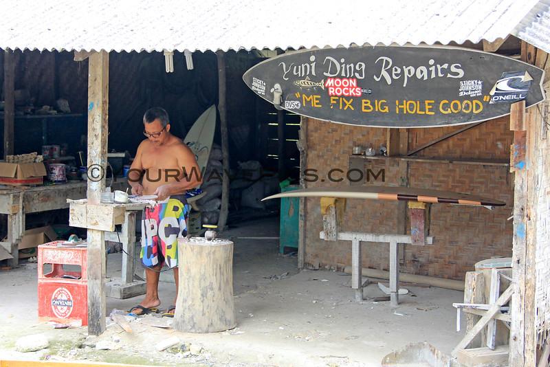 1233_05-23-15_Ding Repair sign.JPG