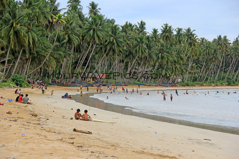 1536_05-25-15_Lagundri Beach.JPG