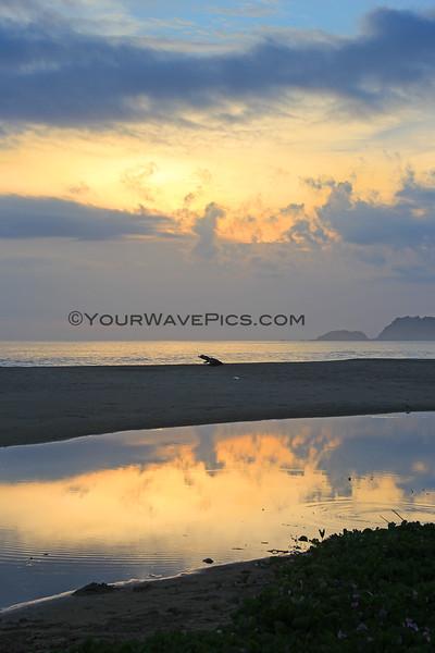 2482_05-29-15_Mo'ale Beach Sunset vert.JPG
