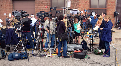 Press coverage of Cleveland kidnapping story.