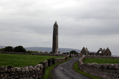 The round tower is notable both as a fine example of this particularly Irish feature but also because of its noticeable lean, over half a metre from the vertical. The tower is over 30 metres (98 feet 5 inches) tall, according to measurements taken in 1879, with the only doorway some 7 metres above ground level. The tower probably dates from the 10th century.