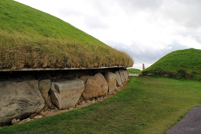The large mound has been estimated to date from between 2500 and 2000 BC.