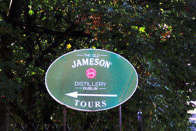 Unfortunately the distillery was closed for renovation - no tour