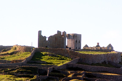 the remains of O'Brien's Castle on Inisheer