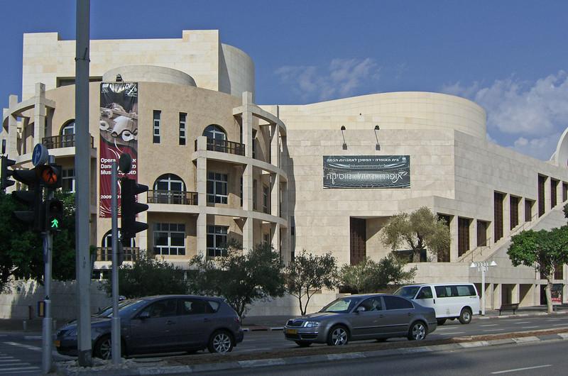 48-Sha'ul HeMelech (King Saul) Blvd. New Israel Opera and Golda Center–Hall of Stage Arts.