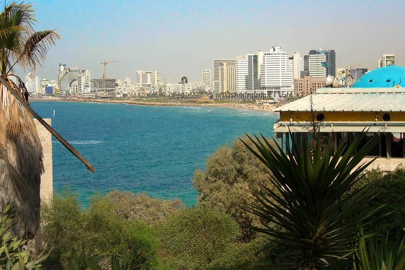 39-Tel Aviv shoreline from Jaffa. Next stop: Manta Ray restaurant 1.5 km NNE (on the beach, below the stepped skyscraper).