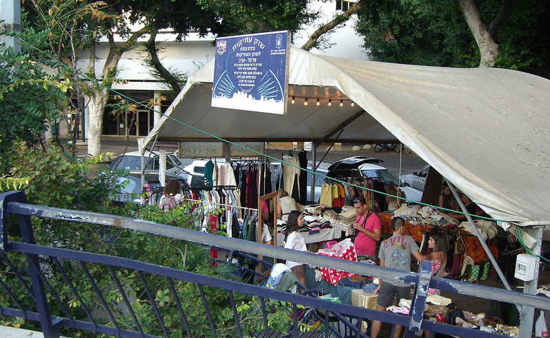8-Flea Market every Friday afternoon at Kikar Dizengoff.
